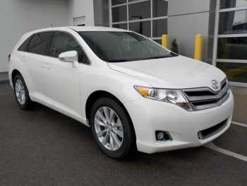 Selling 2014 Toyota Venza LE